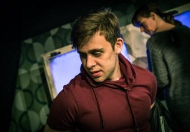 Vincent Navrátil aktuálně hraje ve hře Skleněný strop v Divadle Ungelt, foto Facebook DU