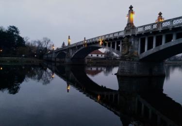 Most přes Labe se secesní výzdobou