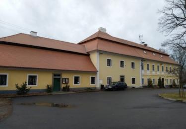Bývalý špitál a škola, dnes muzeum a školka