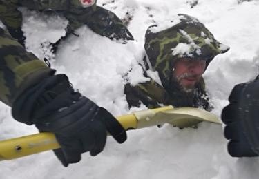 Záchrana zasaženého lavinou, foto nadrotmistr Pavel Vystrčil
