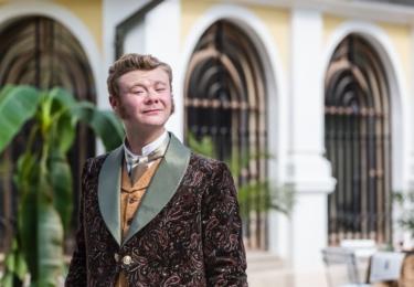 V dramatickém slovenském seriálu 1890 hrál komorníka, který se nakonec ukáže být... Nebudeme spoilovat, pokud jste to ještě neviděli.