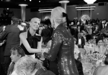 Charlize Theron a Nicole Kidman, foto Golden Globe