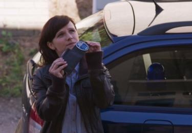 Kristýna hraje Naďu Hamplovou, velitelku okresního oddělení policie v Ostachovicích, smutnou a zadumanou introvertku.