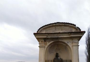 Výklenková kaple u cesty