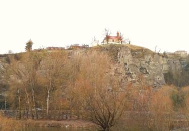 Tetín a kostel svatého Jana Nepomuckého