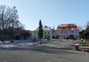 Náměstí v Kostelci