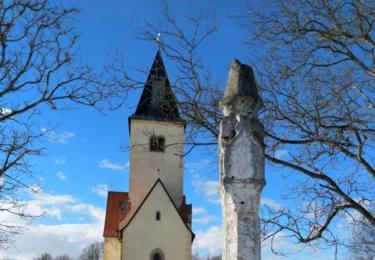 Kostel svatého Jakuba a Filipa u bývalého hradiště Chvojen