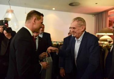 Soukupovy padesátiny: S prezidentem a novináři, foto Facebook