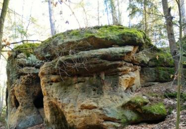 Stály vedle jeskyně Mordloch