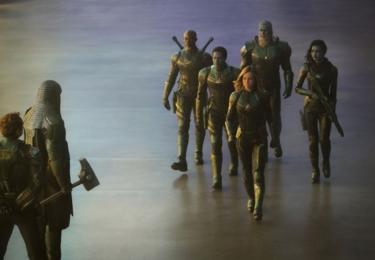 Film sleduje příběh Carol Danvers, ze které stala jedna z nejmocnějších superhrdinek světa. Když Zemi zasáhne válka mezi dvěma mimozemskými rasami, Carol je přímo v srdci konfliktu. Foto Falcon