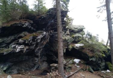 Převis pod Ptačími skalami