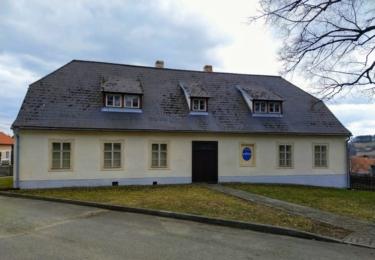 Stará škola v Neustupově