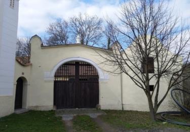 Typická stavení vesnice Vepřek