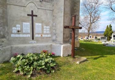 Zeď vzpomínek na kostele