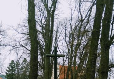 Kříž v parku u Plzeňské brány