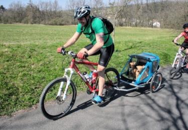 Cyklisté míří na Budeč