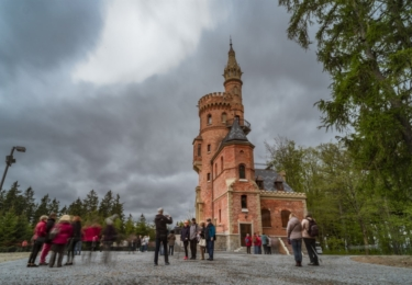 Zahájení lázeňské sezóny v Karlových Varech: v sobotu dopoledne na Goethově vyhlídce