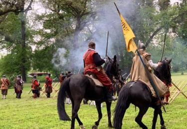 Historická bitva v Kroměříži 11. května, všechna fota v galerii, zdroj Facebook / Biskupští manové z Kroměříže