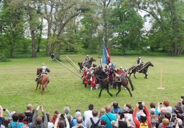 Útok kavalerie na pěchotu