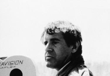 """""""Konflikt jedince s institucí, to je podle mě hlavní konflikt lidské existence. A soucit s ním, tomuhle se podle mě říká společenský smysl toho, co děláme."""" Miloš Forman v dokumentu, foto ČT"""