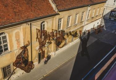 Drátěné plastiky Veroniky Psotkové v Opavě, foto Facebook