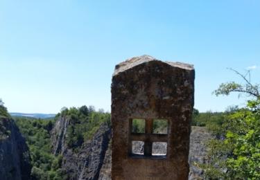 Pomník padlým vězňům