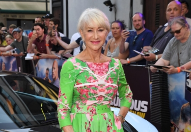 Z premiéry v Londýně, kam dorazila i úchvatná Helen Mirren. Foto CinemArt / Facebook
