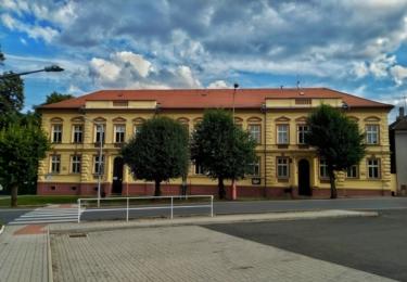 Škola v Lochovicích