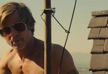 """""""V tomto městě mohou všichni tihle lidé žít přímo vedle sebe,"""" vysvětluje Tarantino. """"Možnost tohle období filmové historie a tuhle éru Los Angeles a Hollywoodu se všemi těmi různými vrstvami opravdu prozkoumat, ta mě přitahovala."""""""
