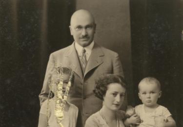 S rodiči a mladší sestrou. Její matka byla výtvarnice a sochařka, foto archiv herečky