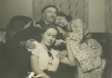 Se sestrou Blankou a otcem Vlastimilem, který byl legionářem, foto archiv herečky