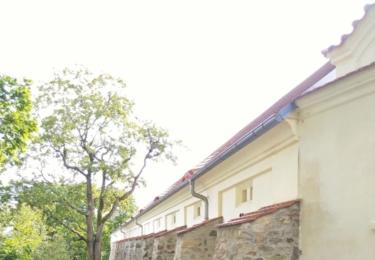 Hospodářské stavení u zámku
