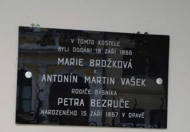 Pamětní deska svatby rodičů Petra Bezruče, kdo to má, že