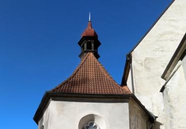 Kaple u kostela
