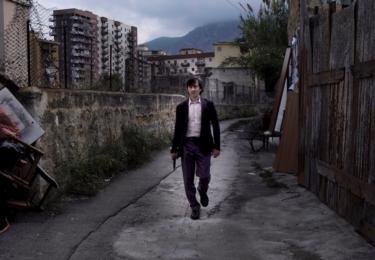 První zrádce: Film neukazuje mafii jako selanku, právě naopak, jde o brutální, drsný příběh