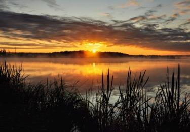 A ještě jedna Toulava. Tento snímek zapadajícího slunce je jak z kalendáře
