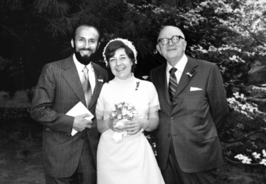 Na jaře 1971 se ve Washingtonu provdala za Karla Kánského, který v 50. letech uprchl z komunistického Československa zahrabán do vagonu s uhlím. Mají dvě děti a tři vnoučata
