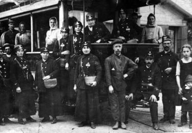Konduktérky ve vozovně Strašnice kolem roku 1916