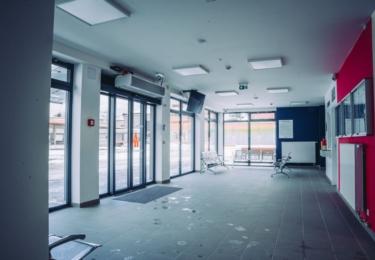 Nové autobusové nádraží v Šumperku, interiér výpravní budovy