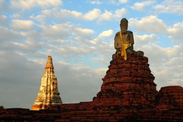 Socha Buddhy v  centrálním historickém parku