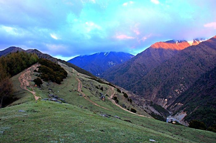 Národní park Siguniang před západem slunce