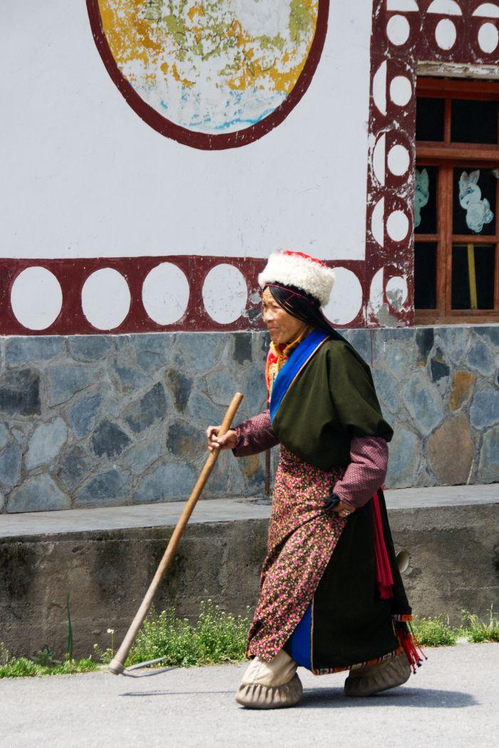 Tibeťanka ve vesnici Huzheng