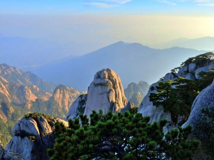 Žluté hory před západem slunce I.