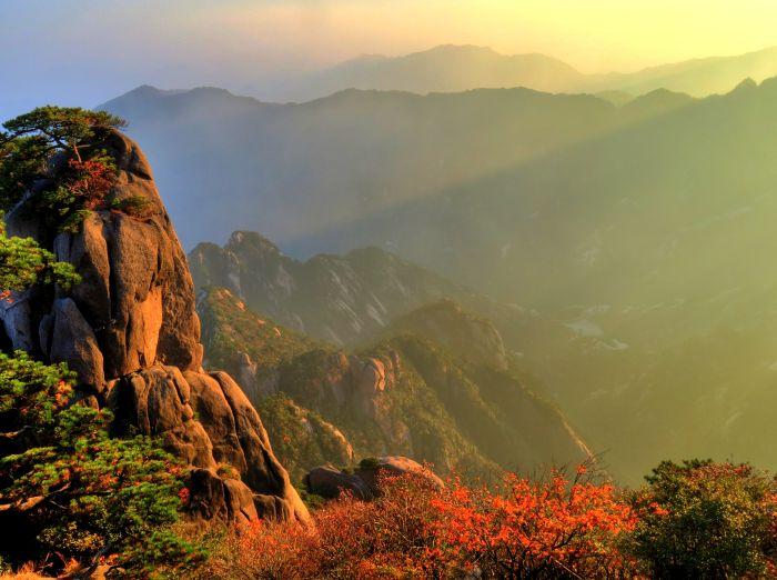 Žluté hory před západem slunce III.