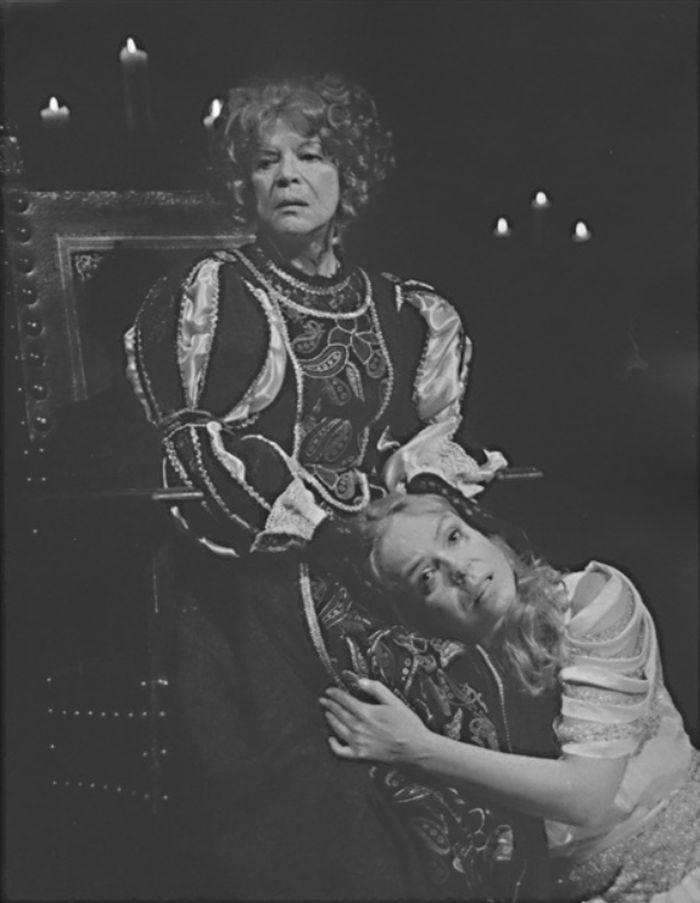 S Dagmar Havlovou v Divadle na Vinohradech v historickém dramatu Augusta Strindberga Královna Kristina