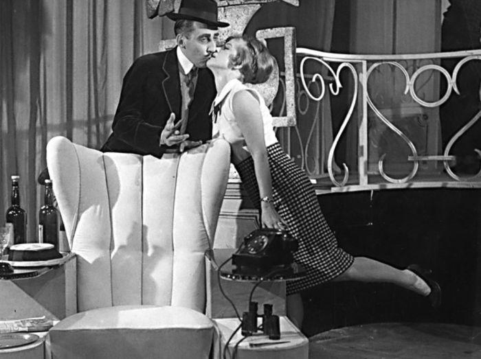 S Milošem Kopeckým v roce 1959 v Divadle ABC, v lyrické komedii Vítězslava Nezvala Milenci z kiosku