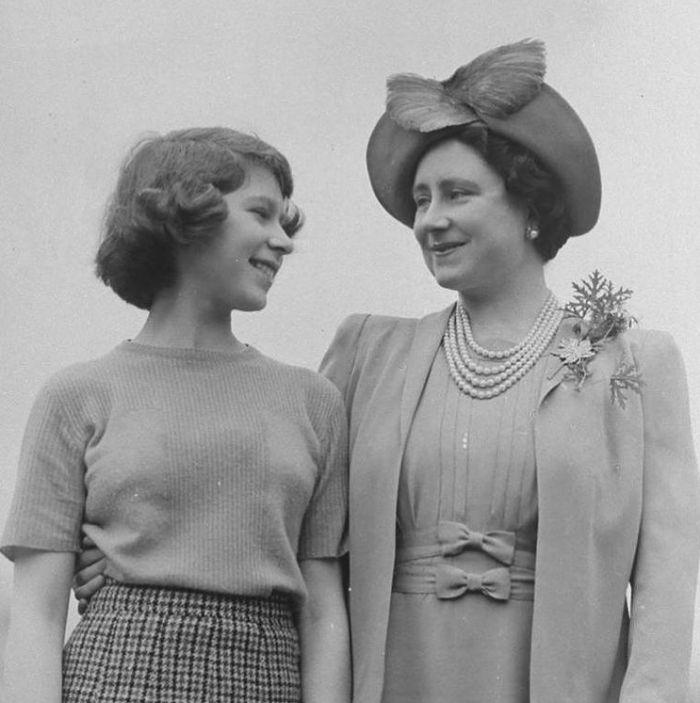 S matkou Elizabeth Angelou Marguerite Bowes-Lyon