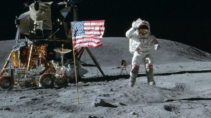 První člověk na Měsíci