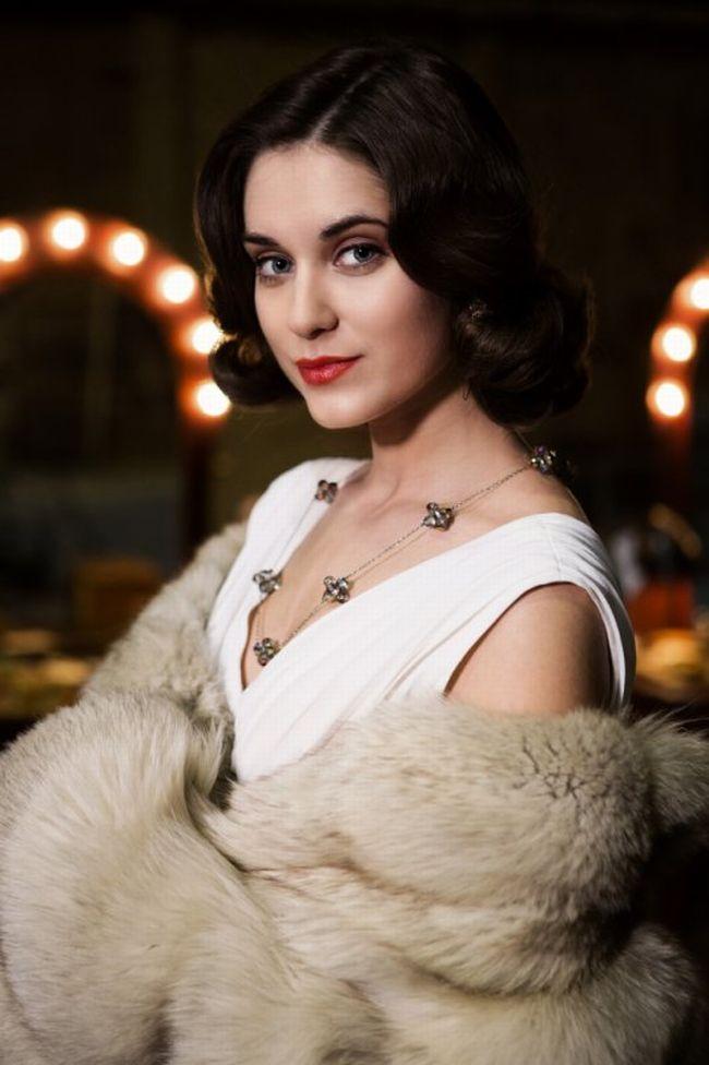 Slovenská herečka maďarského původu Judit Bárdos jako smyšlená postava Lili Krallová, inspirovaná osudem legendární Nataši Gollové