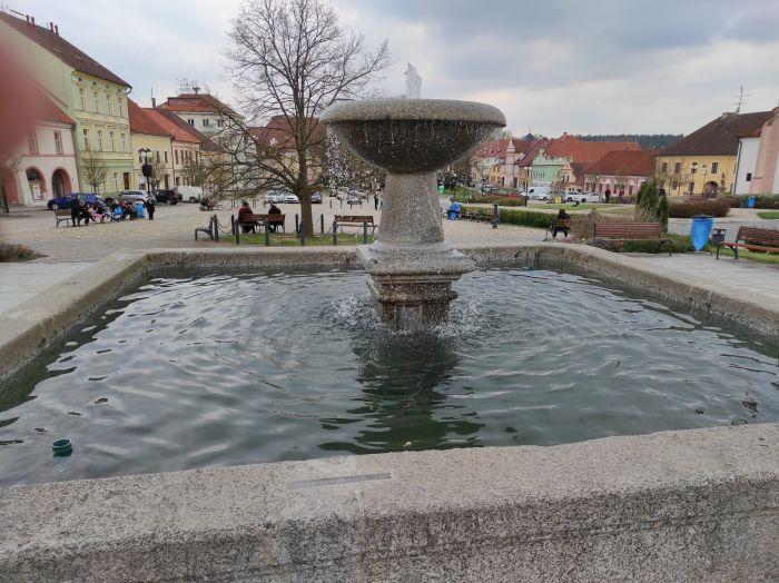 Masarykova náměstí s řadou historických domů